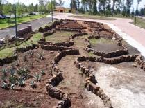 Primeras etapas de la construcción de los arriates. (Foto: Juan Martínez Cruz)
