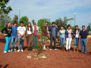 Visitantes de la carrera de Administración de la Universidad Latina de América.